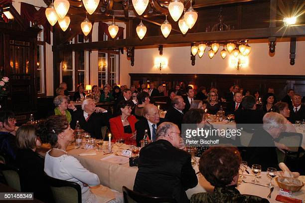 Helga Schlack Friedrich Schoenfelder und Ehefrau Monika Curth Flatow Ehefrau Brigitte und Gäste Party zum 80 Geburtstag von P e e r S c h m i d t...