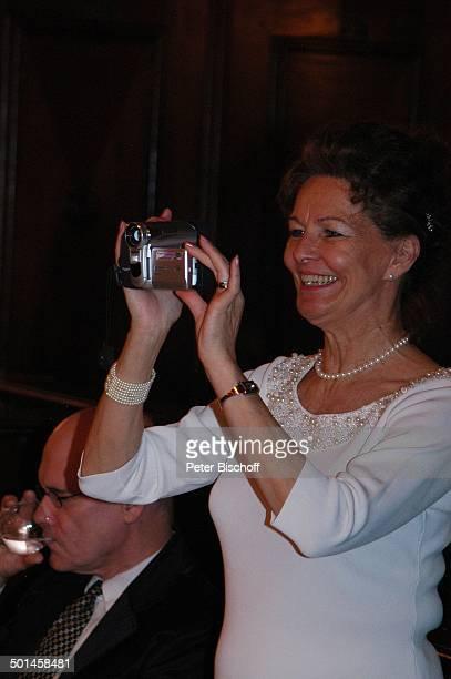 Helga Schlack Party zum 80 Geburtstag von P e e r S c h m i d t Restaurant Moorlake Berlin Wannsee Deutschland Europa Geburtstagsfeier Feier...