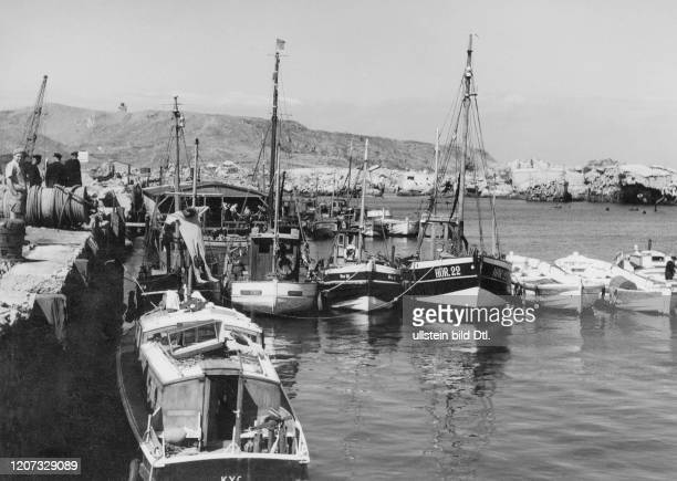 Fishing boats at harbour 22