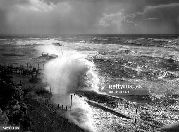 Helgoland Surging billow during a storm over the North Sea at the levee of Helgoland 1933 Photographer Franz Schensky Published by 'Zeitbilder'...