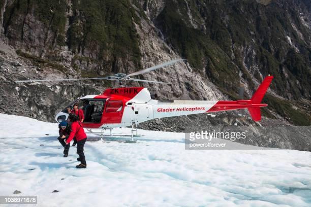 Helikopter på Franz Josef Glacier i södra Alperna av nyazeeländskt