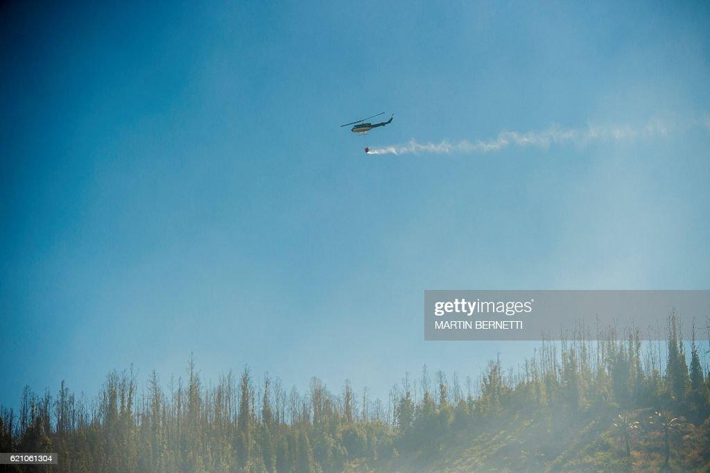 CHILE-VALPARAISO-FIRE : News Photo