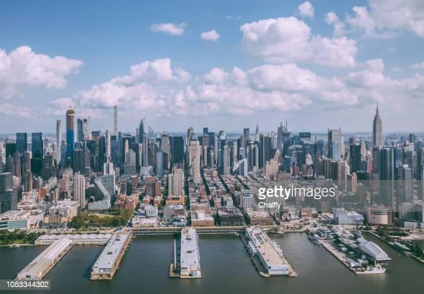 ニューヨーク、アメリカ合衆国のヘリコプター飛行 - ニューヨーク湾 ストックフォトと画像