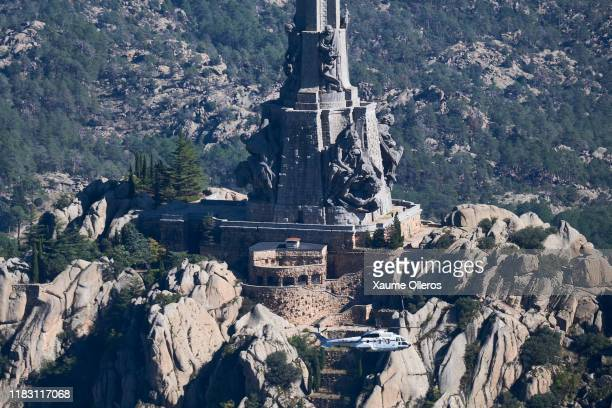 A helicopter transports the remains of fascist dictator Francisco Franco at the Valley of the Fallen on October 24 2019 in Madrid Spain Francisco...