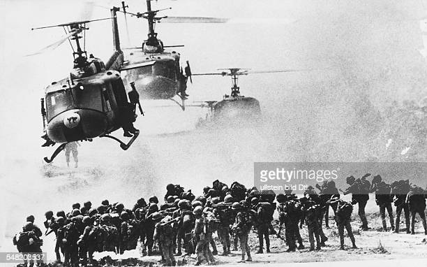 Helicopters bringing soldiers to combat zones 1968