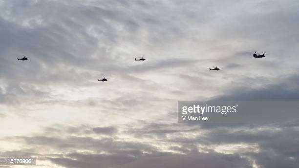 helicopters - apache helicopter stock pictures, royalty-free photos & images