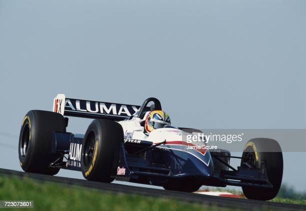 Helio Castroneves of Brazil drives the Bettenhausen Racing Reynard 98i Mercedes during practice for the Championship Auto Racing Teams 1998 FedEx...