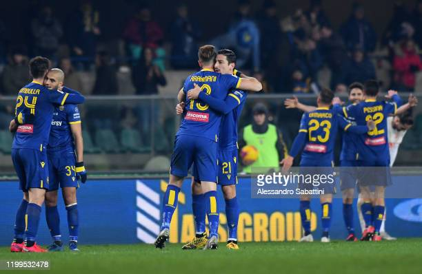 Hellas Verona players celebrate the victory after the Serie A match between Hellas Verona and Juventus at Stadio Marcantonio Bentegodi on February 8...