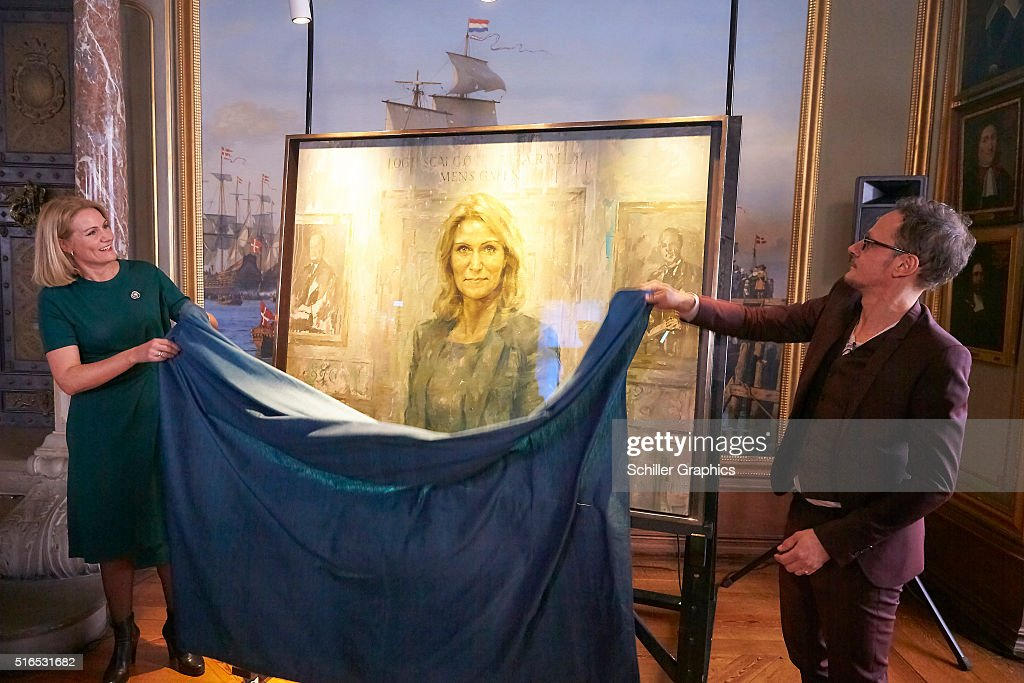 Helle Thorning-Schmidt and Jonathan Yeo unveil the first official portrait of the former Danish Prime minister during the 'Jonathan Yeo Portraits' exhibition opening at the Museum of National History at Frederiksborg Castle on March 19, 2016 in Hillerod, Denmark.