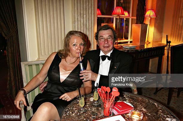 Hellmuth Karasek Und Ehefrau Armgard Bei Der Verleihung Der Gala Spa Awards Im Brenner'S Park Hotel In Baden Baden Am 250306 Witzig