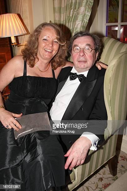 """Hellmuth Karasek Und Ehefrau Dr. Armgard Karasek Bei Der Verleihung Der """"Gala Spa Awards"""" 2008 In Baden-Baden ."""