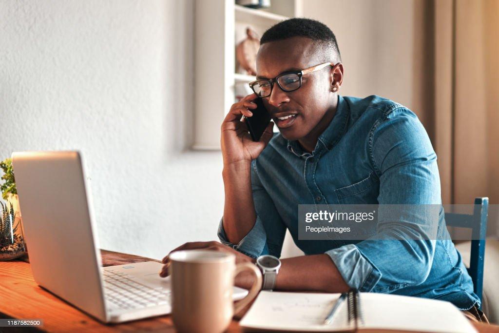 Olá, posso ajudá-lo? : Foto de stock