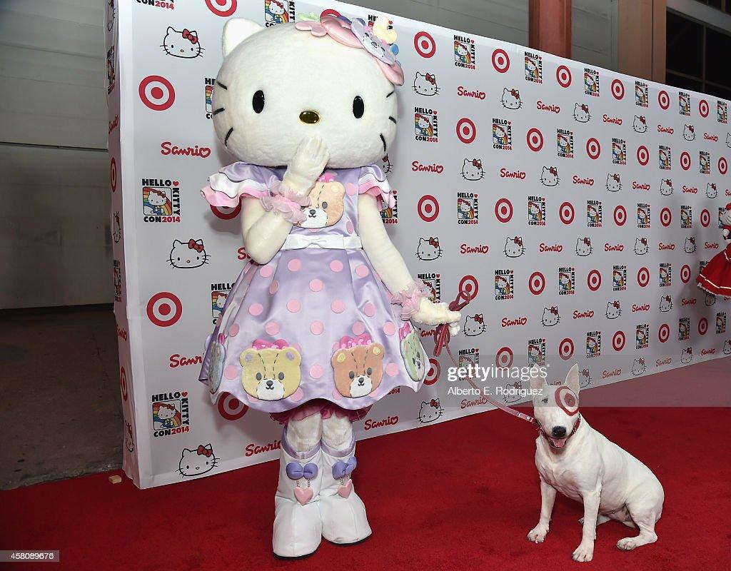 8643e10b0 Hello Kitty and Bullseye the Target dog arrive to Hello Kitty Con ...
