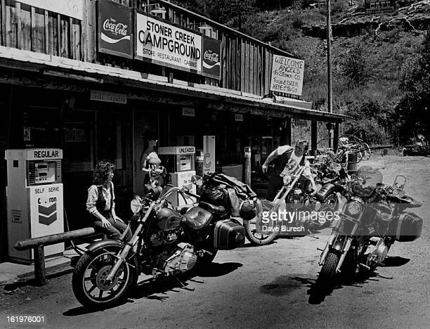 AUG 3 1986 Hell's Angels left to right are Kelley Orr Rick Tabot's girl Teddi Irish's wife an Michael Irish O'Farrell Pres of the Angels from...
