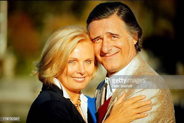 Helmut Fischer und RuthMaria Kubitschek ARDSerie Monaco Franze 1987