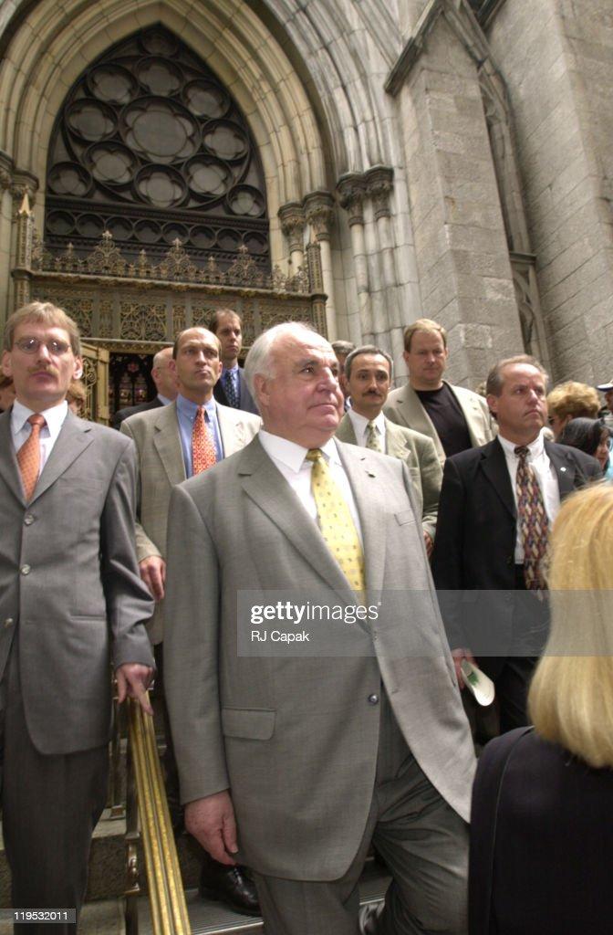 Helmut Kohl touring New York City