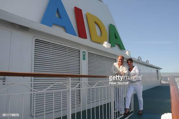 Helmut Lernbecher Ehefrau Yvonne Flitterwochen mit Kreuzfahrtschiff AIDAvita Palma de Mallorca Insel Mallorca Balearen Spanien Europa Urlaub...