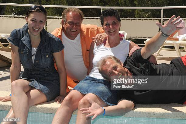 Helmut Lernbecher und Ehefrau Yvonne Andreas Lebbing und Carolin Frölian FlitterwochenK r e u z f a h r t mit A I D A v i t a Iberostar Cala Barca...