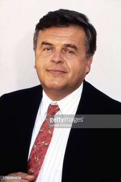 Helmut Thoma, österreichischer Medienmanager und Chef des Senders RTL, Deutschland um 1997.