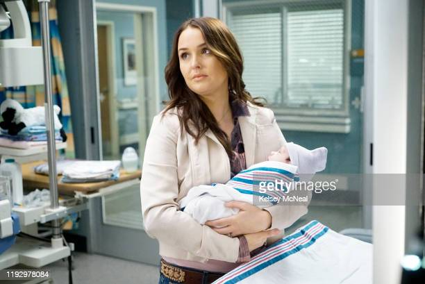 S ANATOMY Help Me Through the Night Following the car crash at Joe's Bar and subsequent rescue efforts led by the Station 19 firefighters Grey Sloan...