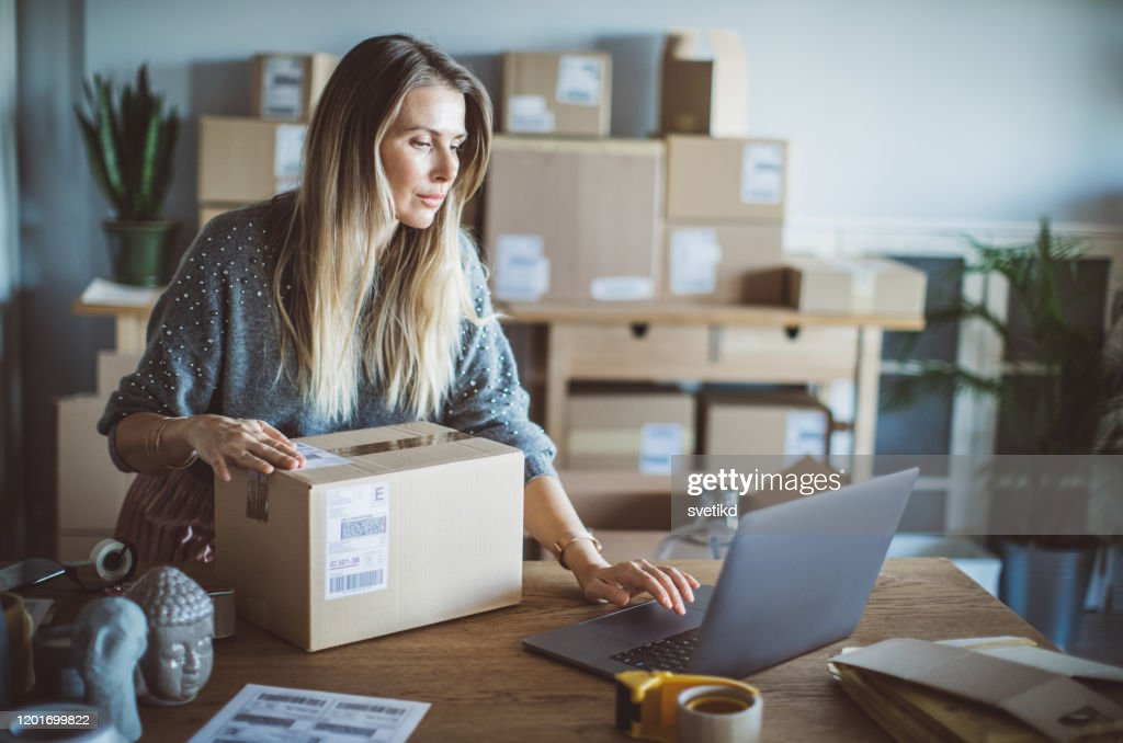 Help of technology in delivery business : Stock Photo