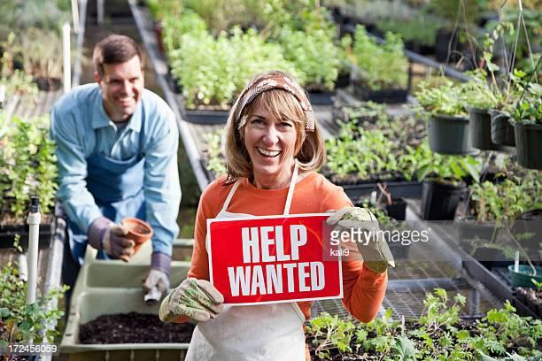 Ayuda querido en centro de jardinería