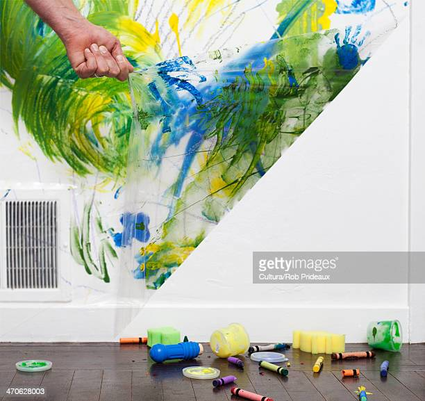 Helpful Ideas for Busy Dads: the Peel-A-Wall crafts cleanup system