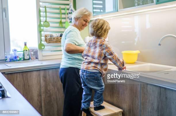 Coup de main dans la cuisine