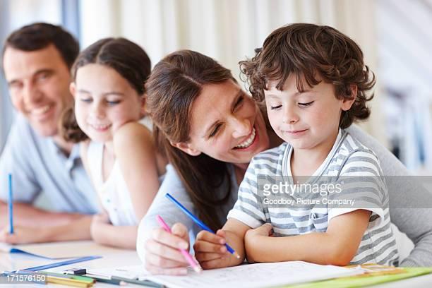 De les aider à découvrir la vie des cours