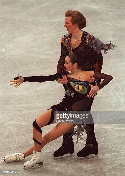 WM 1999 Helsinki Anjelika KRYLOVA/RUS Oleg OVSYANNIKOV/RUS PAAR PAARE EISTANZ GOLD