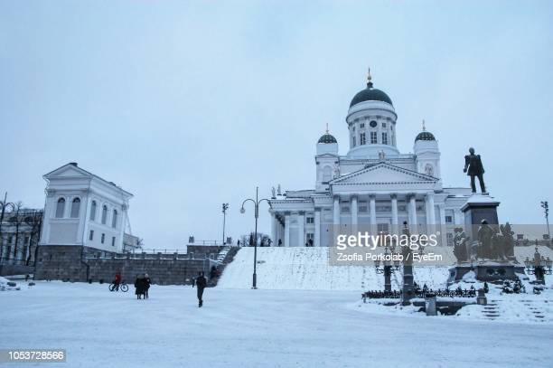 helsinki cathedral against clear sky during winter - helsinki foto e immagini stock