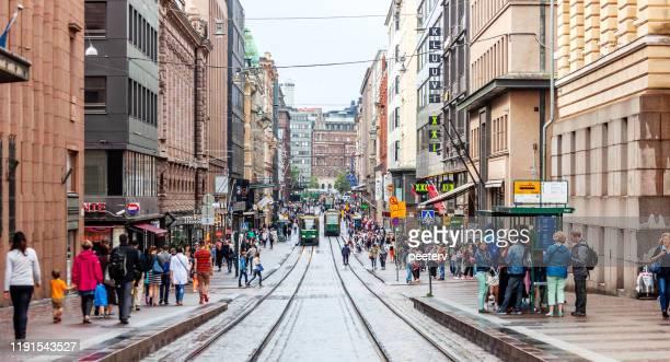 ヘルシンキ,フィンランド - 忙しい市内中心部 - ヘルシンキ ストックフォトと画像
