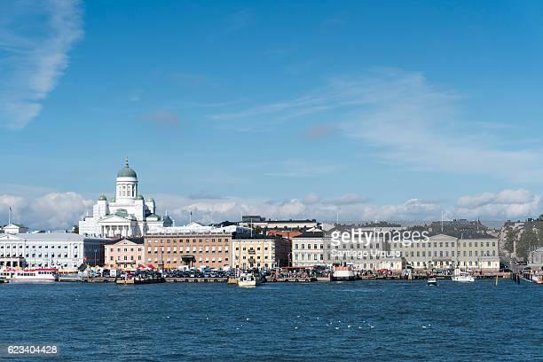 helsinki market square from the sea - ヘルシンキ ストックフォトと画像