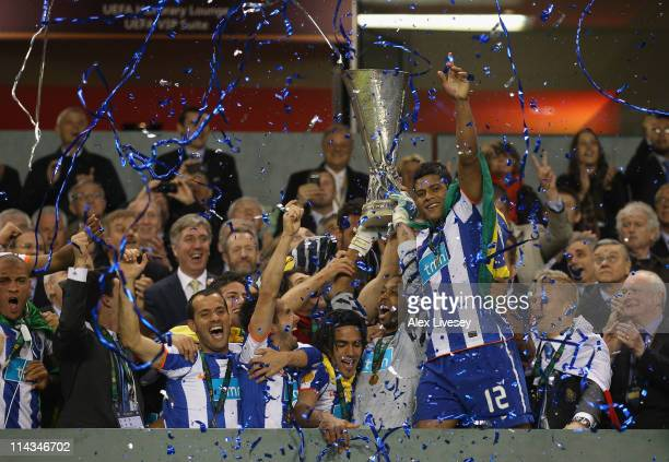 Helton and Radamel Falcao Garcia of FC Porto lifts the UEFA Europa League Trophy and during the UEFA Europa League Final between FC Porto and SC...