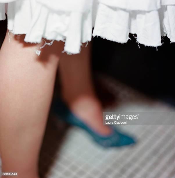 hem of skirt - 裾 ストックフォトと画像