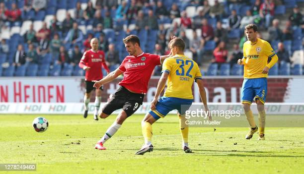 Hendrik Weydandt of Hannover 96 scores second goal for Hannover 96 during the Second Bundesliga match between Hannover 96 and Eintracht Braunschweig...