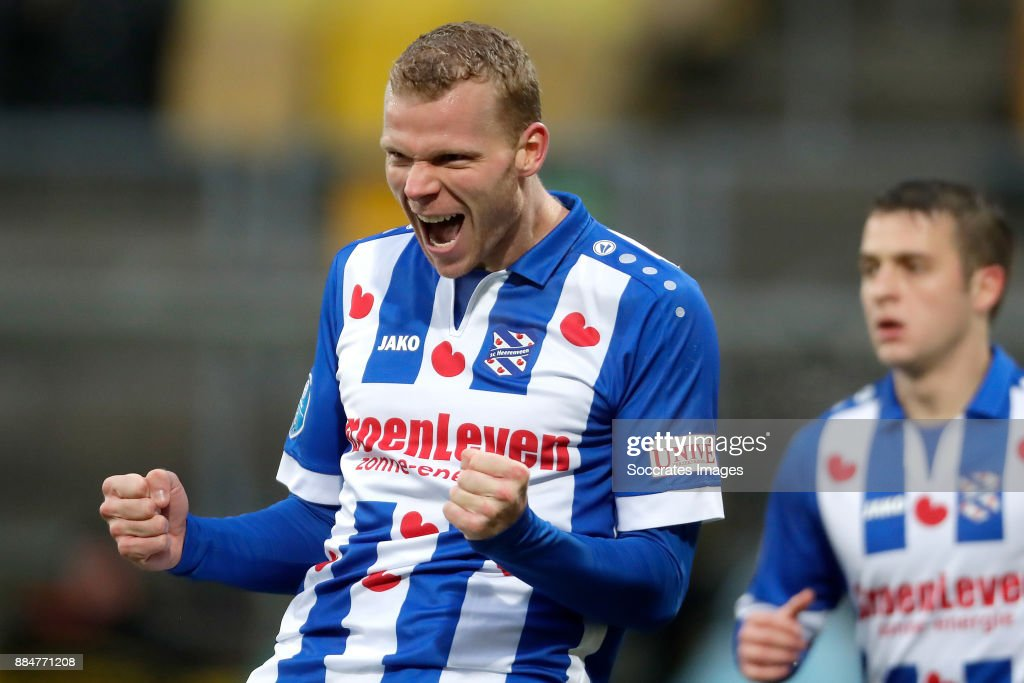 Roda JC v SC Heerenveen - Dutch Eredivisie : ニュース写真