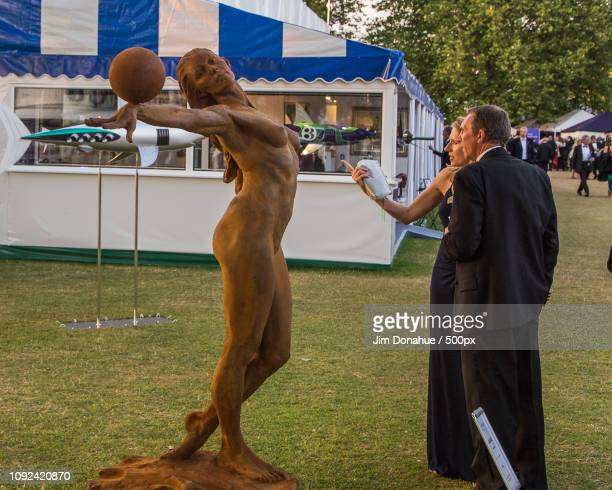 henley festival sculpture - jim donahue stock pictures, royalty-free photos & images