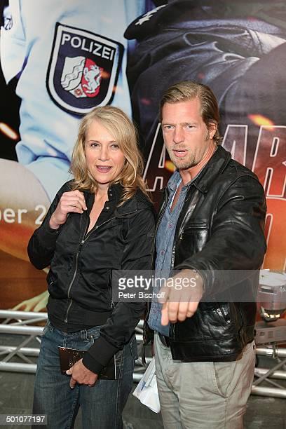 Henning Baum Ehefrau Corinna Premiere vom Pilotfilm der RTLKrimiSerie Alarm für Cobra 11 Staffel 17 MMCStudios Köln NordrheinWestfalen Deutschland...