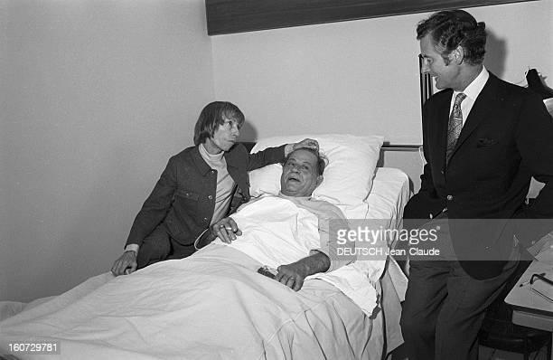 Henri Charriere Hospitalized Papillon reçoit la visite de Peter Townsend et de Simone Berteaut Paru Pm 1064