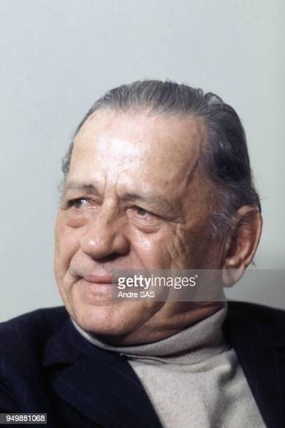 Henri Charrière dit 'Papillon' ancien bagnard, rendu célèbre par son ouvrage écrit en 1969 et dont est tiré le film 'Papillon'. Circa 1960.