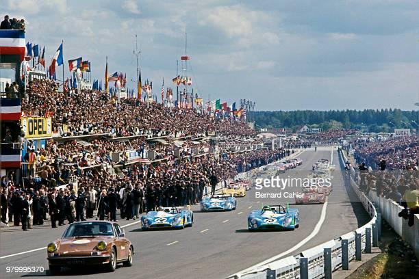 Henri Pescarolo François Cevert JeanPierre Beltoise MatraSimca MS670 24 Hours of Le Mans Le Mans 11 June 1972 Behind the Porsche 91 Pace car Henri...
