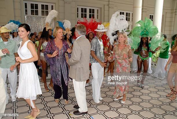 Henriette RichterRöhl Mariele Millowitsch Horst Naumann Sabine Postel Jockey Club Sambaschule Santa Cruz ZDFReihe Traumschiff Folge 56 Rio de Janeiro...