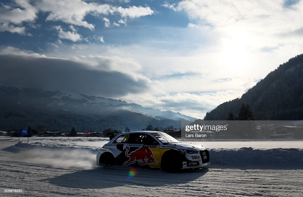 Henrik Kristoffersen drives during the final day of the Audi Quattro #SuperQ on January 20, 2016 in Kitzbuehel, Austria.