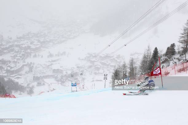 Henrik Kristoffersen of Norway competes during the Audi FIS Alpine Ski World Cup Men's Giant Slalom on December 8 2018 in Val d'Isère France
