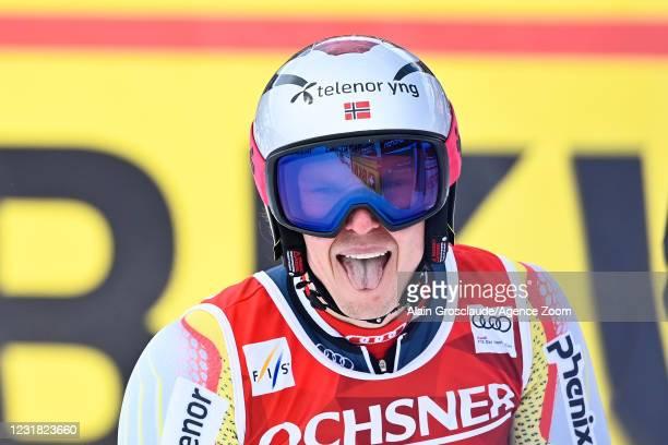 Henrik Kristoffersen of Norway competes during the Audi FIS Alpine Ski World Cup Men's Giant Slalom on March 20, 2021 in Lenzerheide, Switzerland.