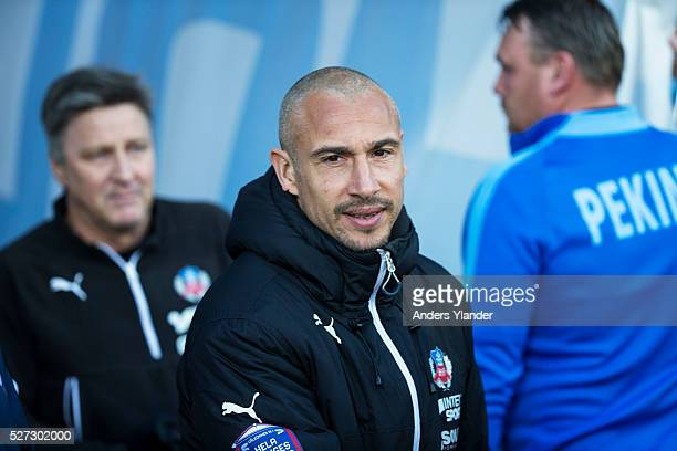 Henrik Larsson head coach of Helsingborgs IF during the Allsvenskan match between IFK Norrkoping and Helsingborgs IF at Ostgotaporten on May 2 2016...