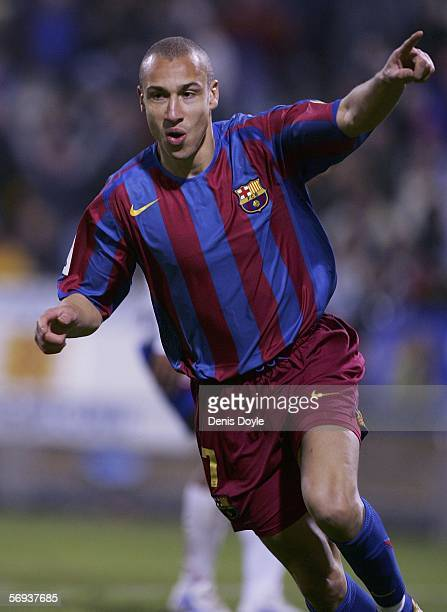 Henrik Larsson of Barcelona celebrates his goal during a Primera Liga match between Real Zaragoza and Barcelona at the Romareda stadium on February...
