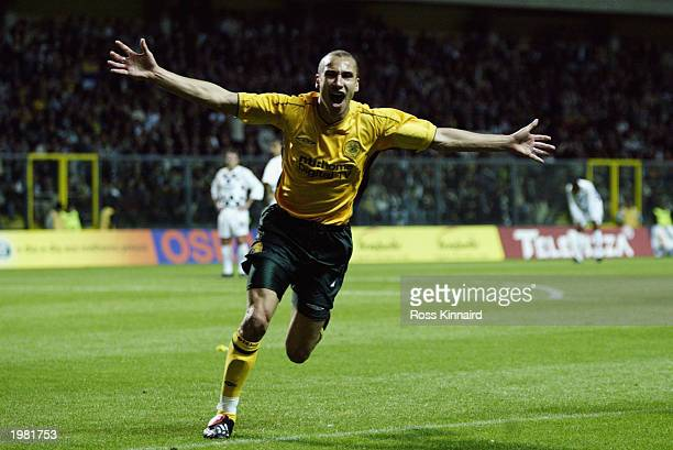 Henrik Larsson of Celtic celebrates scoring during the the UEFA Cup Semi-Final between Boavista FC and Glasgow Celtic held on April 24, 2003 at the...
