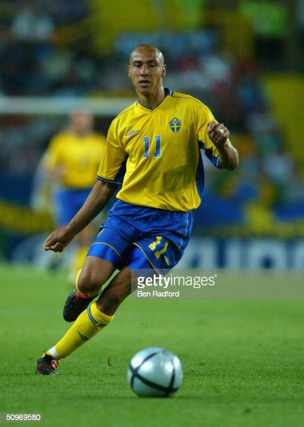 Henrik Larsson of Sweden in action during the UEFA Euro 2004 Group C match between Sweden and Bulgaria at the Estadio Jose Alvalade on June 14 2004...